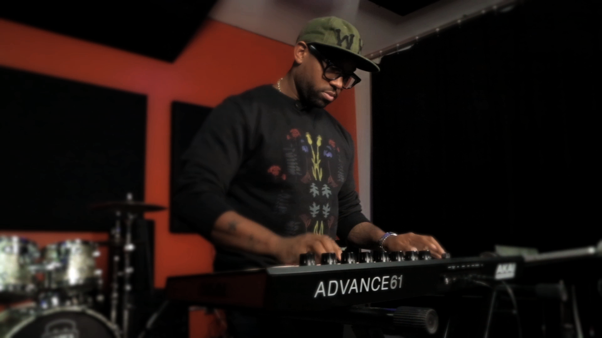 Akai Advance Teaser